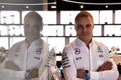 Video: Bottas nu officielt Mercedes-kører